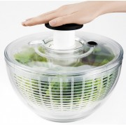 Essoreuse à salade OXO à bouton poussoir